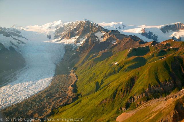 Donoho Peak contrast with the Gates Glacier