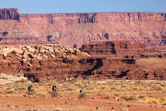 Mountain biking on the White Rim Trail