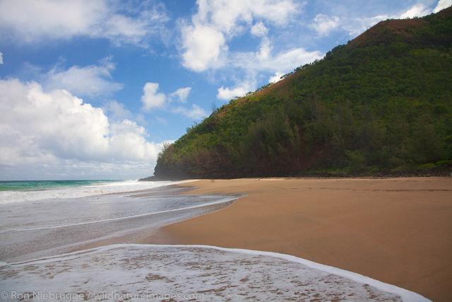 Hanakapi'ai Beach and the Na Pali Coast