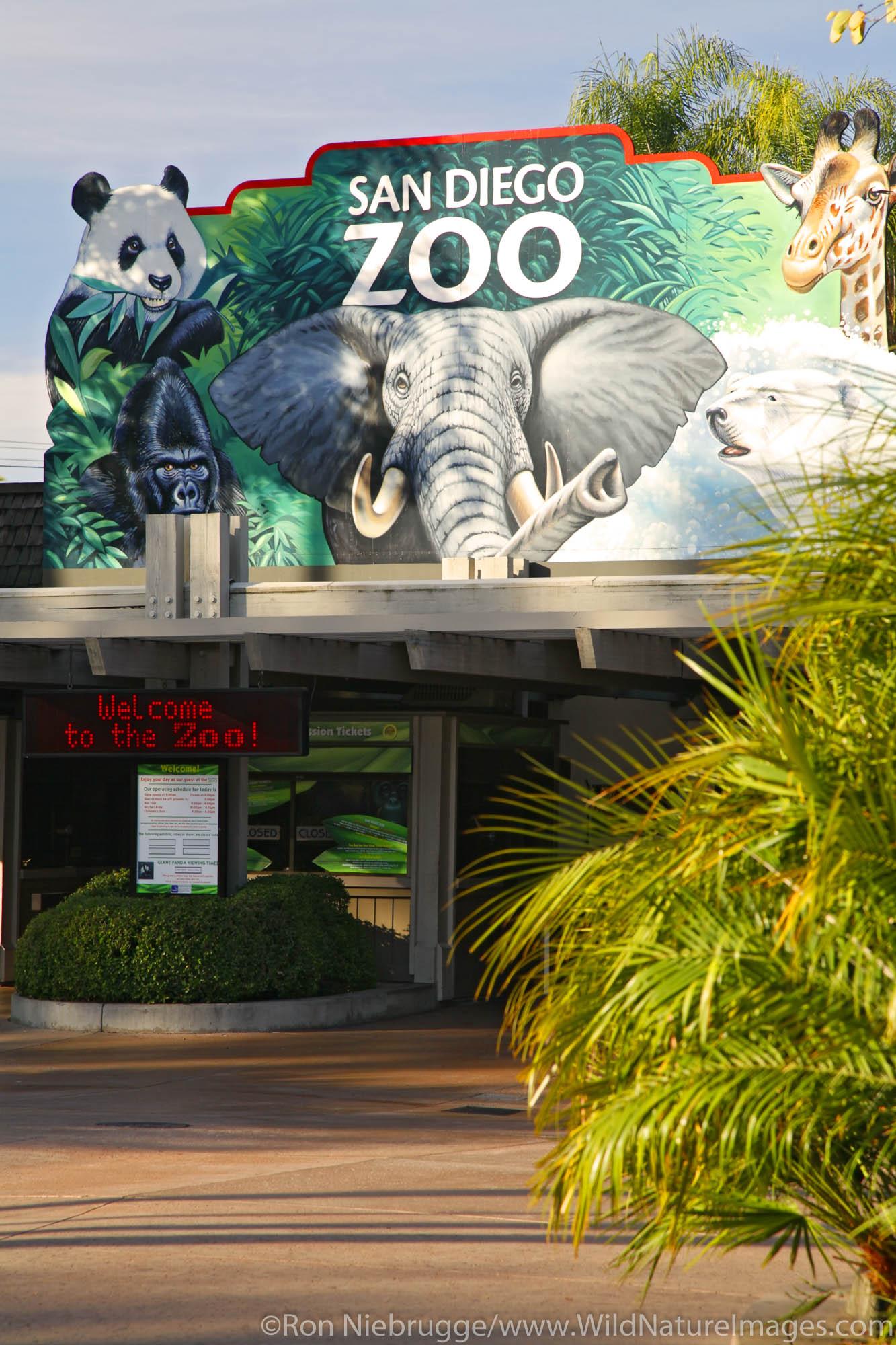 Entrance to the San Diego Zoo, Balboa Park, San Diego, California.