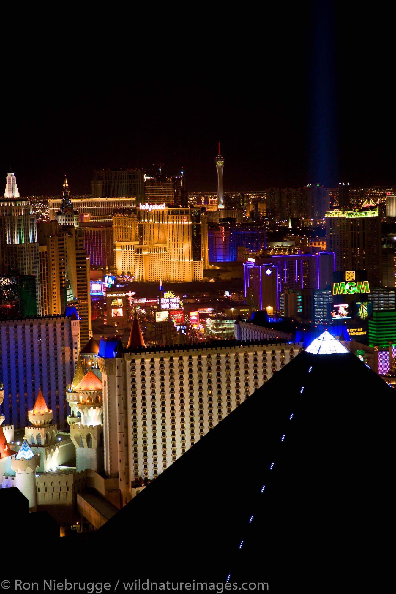Las Vegas Strip at night, Las Vegas, Nevada.