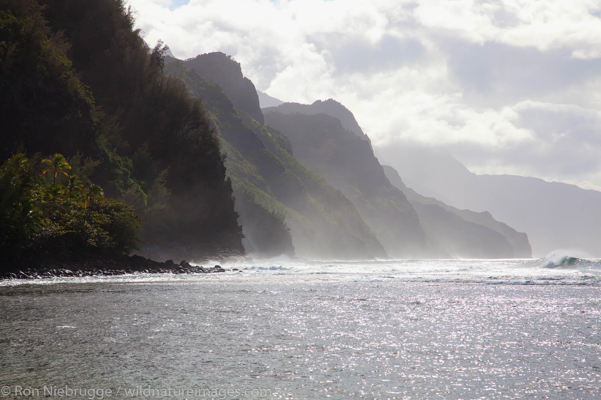 Na Pali Coast from Ke'e Beach, Kauai, Hawaii.
