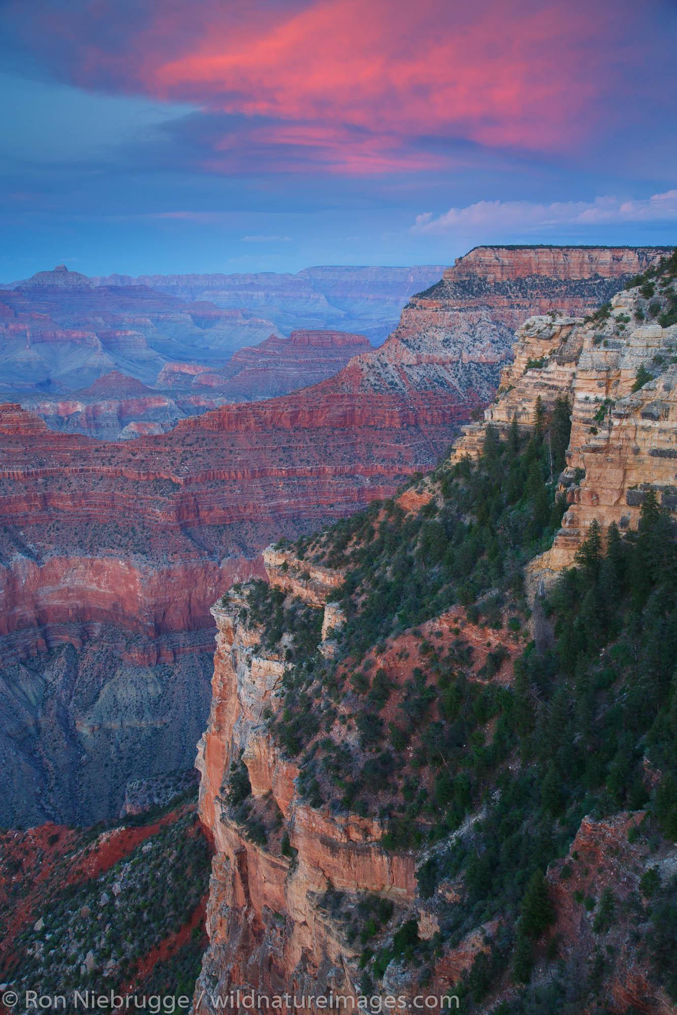 Yavapai Point at sunset, Grand Canyon National Park, Arizona.