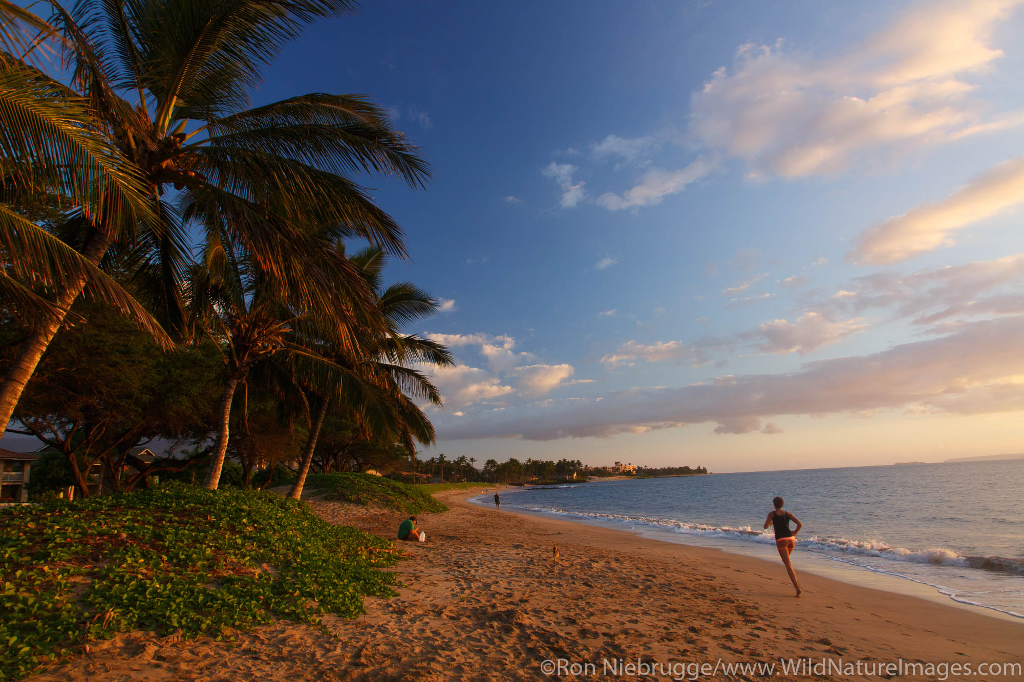 Sunset from Mai Poina 'Oe La'u Beach Park, Maui, Hawaii.Maui, Hawaii.