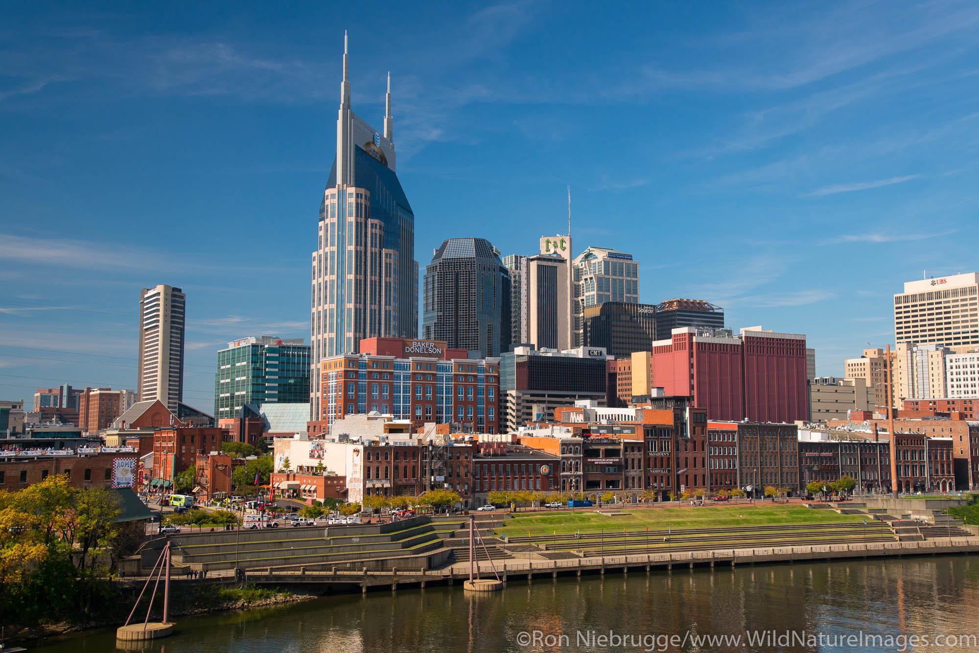 Nashville,  Tennessee skyline.