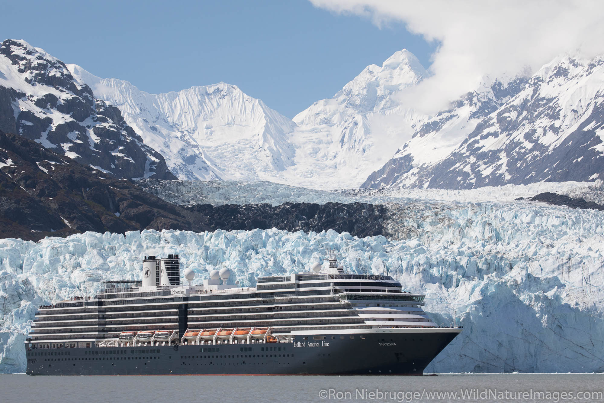 Cruise ship in front of Margerie Glacier, Glacier Bay National Park, Alaska.