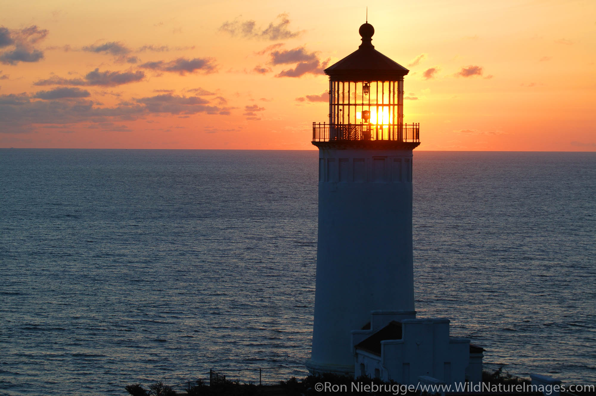 Fort Canby State Park.  Washington, lighthouse, northhead , photo