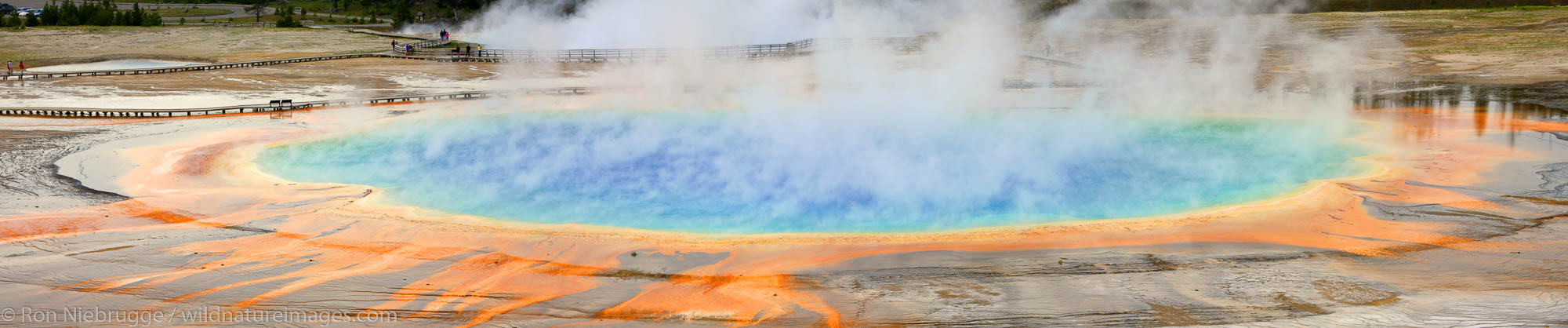 Grand Prismatic Spring, Midway Geyser Basin, Yellowstone National Park, Wyoming.
