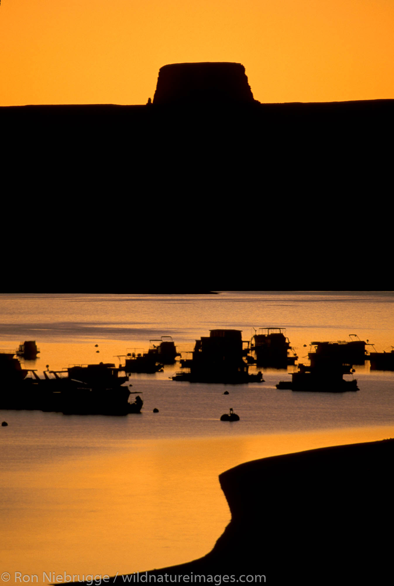 Sunset Wahweap Marina. Lake Powell, Glen Canyon National Recreation Area.  Arizona, Utah.