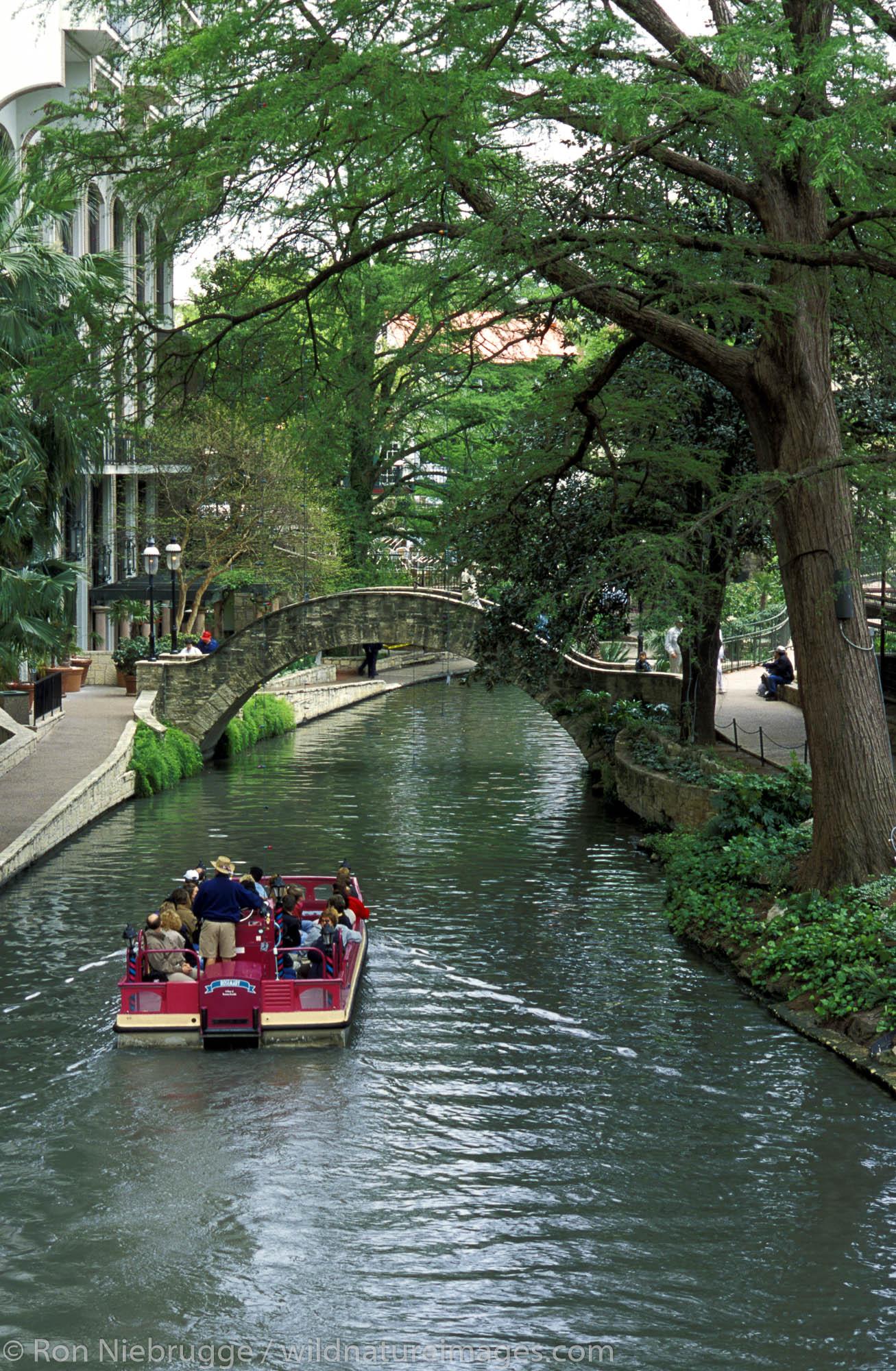 San Antonio River Walk.  Yanaguana Cruise.  San Antonio, Texas.